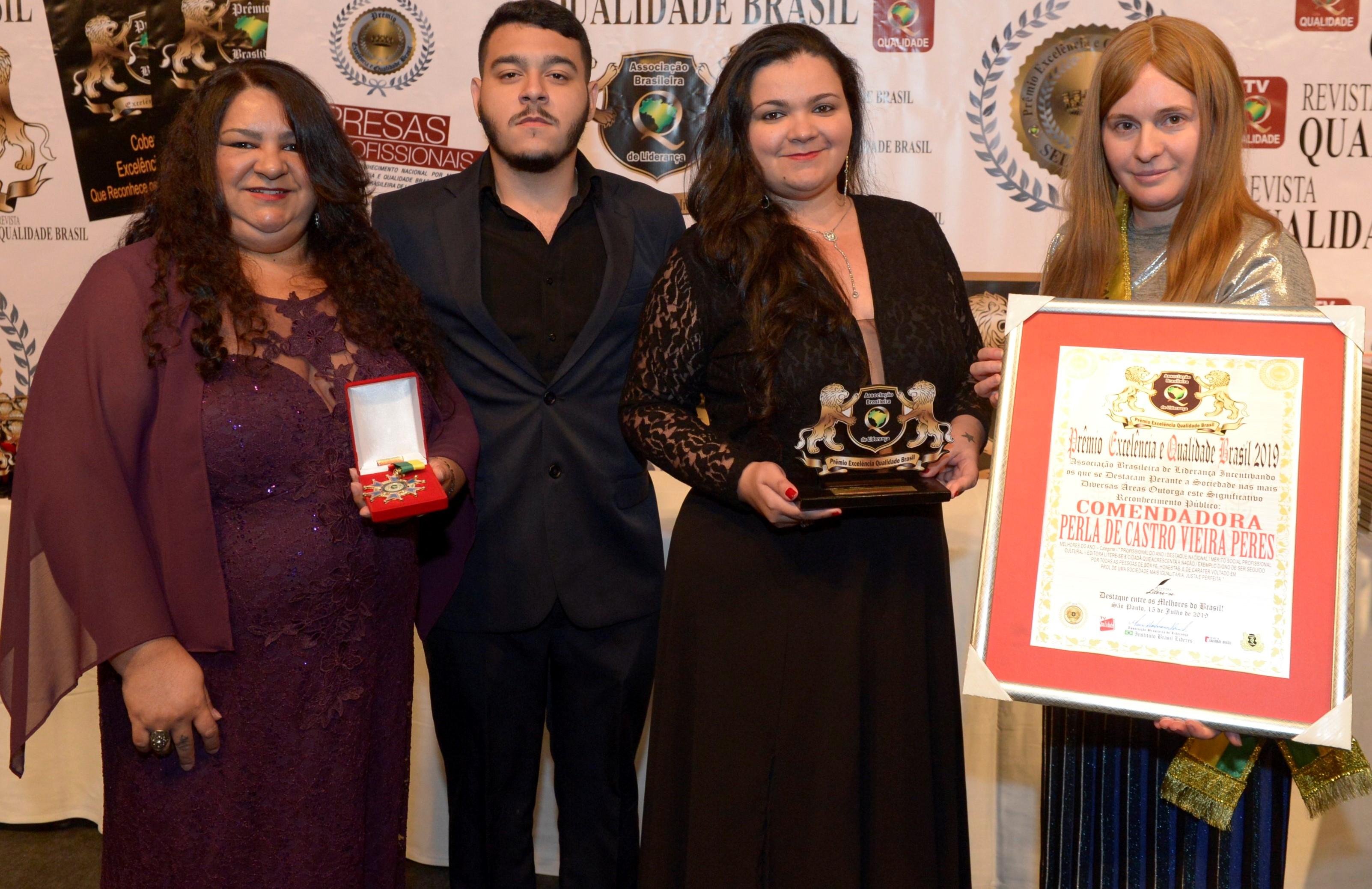 Escritores da Baixada receberão Prêmio Litere-se neste sábado