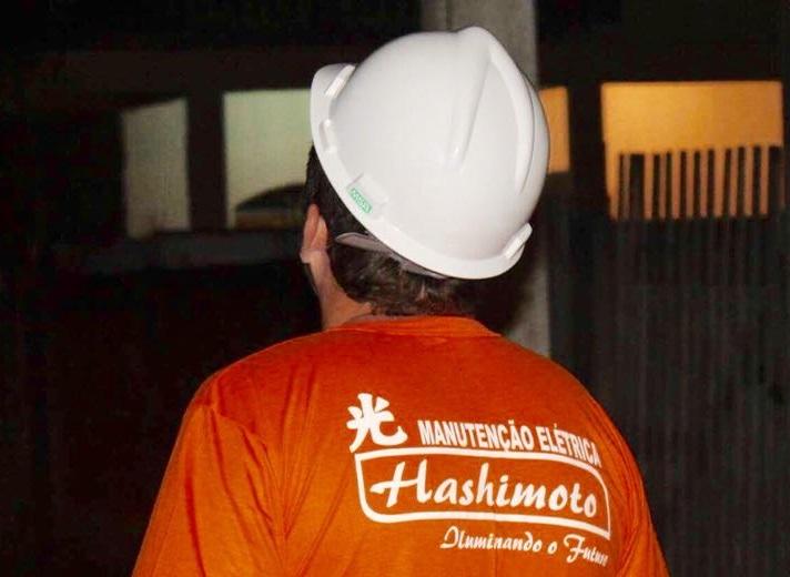Pelo custo da iluminação pública noite deveria virar dia em Caxias