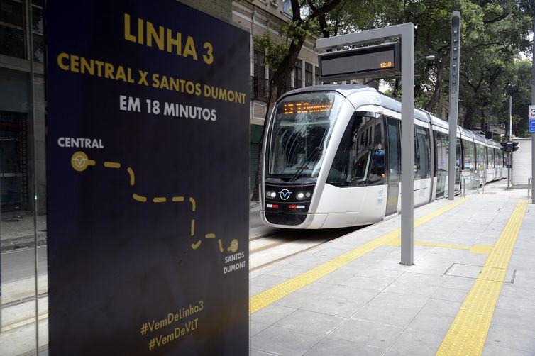 Rio tem novo trecho de VLT em operação