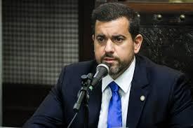 Boateiros das redes sociais miram deputado por este estar ajudando prefeito de Nova Iguaçu com recursos para segurança e outras ações