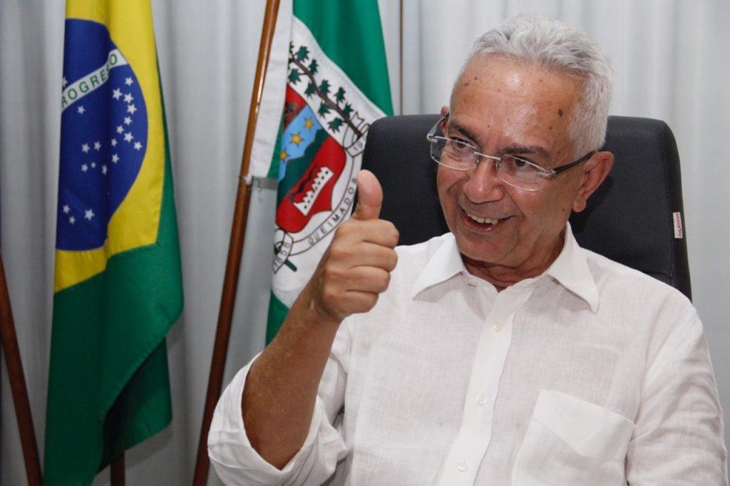 Prefeito de Queimados é absolvido em CPI esquisita