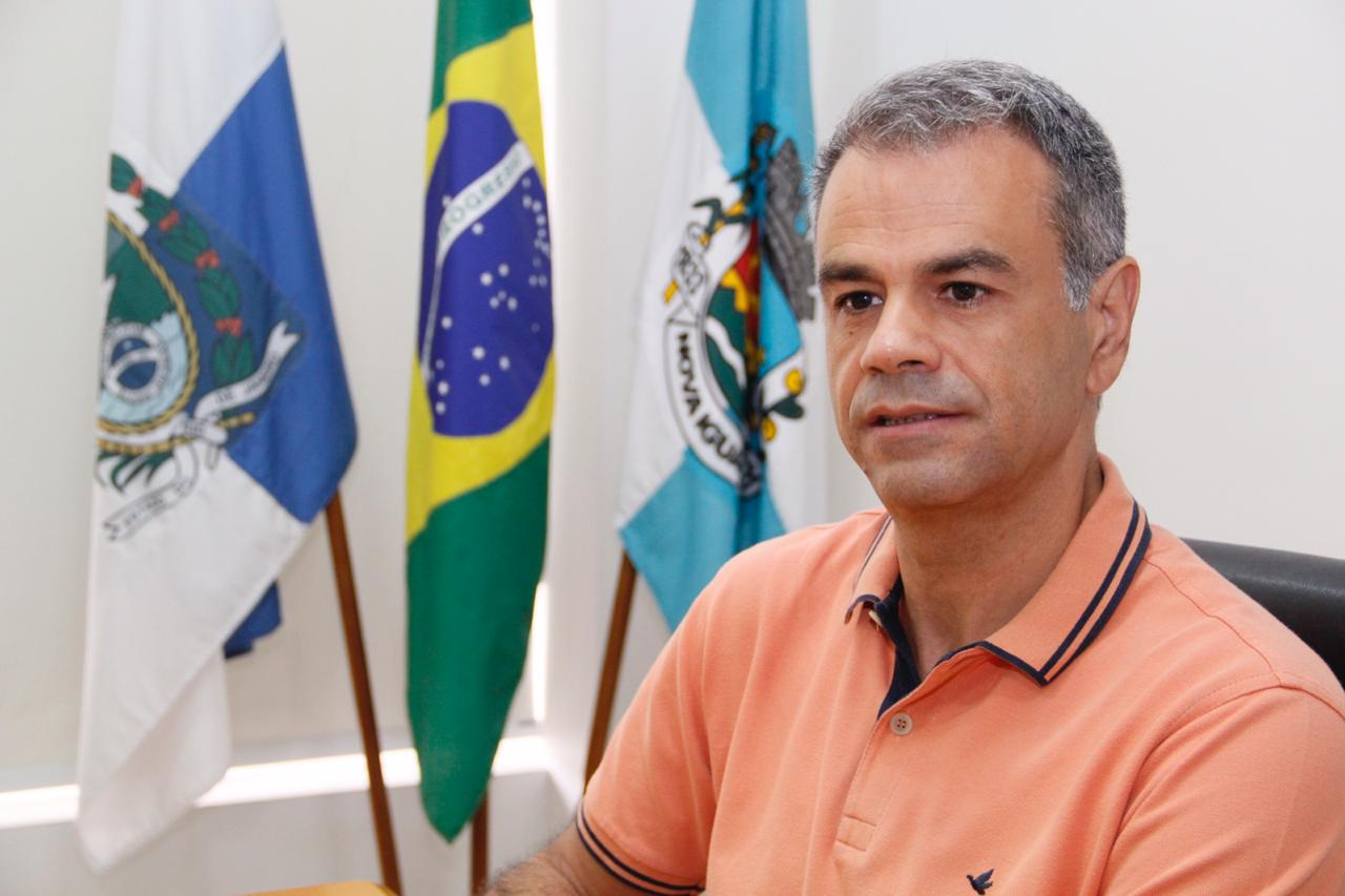 13º dos servidores de Nova Iguaçu já está na conta