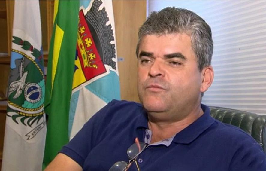 Prefeito que quer dominar a Baixada é denunciado por fraude com escrituras imobiliárias em cartório de Nova Iguaçu