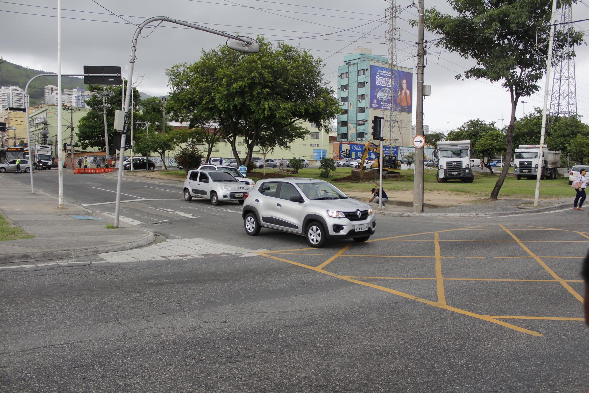 Mudança no trânsito da Via Light vai ajudar a diminuir engarrafamento no centro de Nova Iguaçu: obra estará pronta em fevereiro