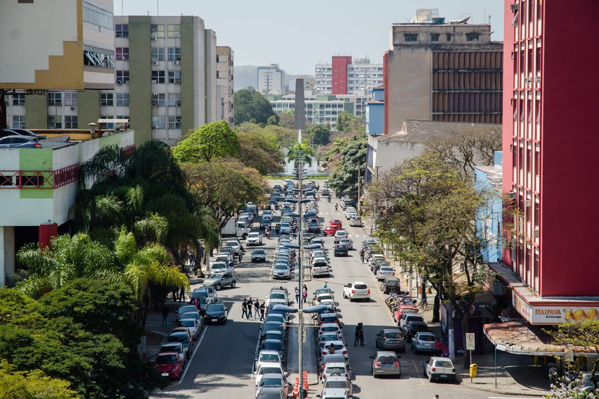"""Justiça impede carreata em Volta Redonda: Ministério Público cita  manifestação organizada de """"forma irresponsável"""""""
