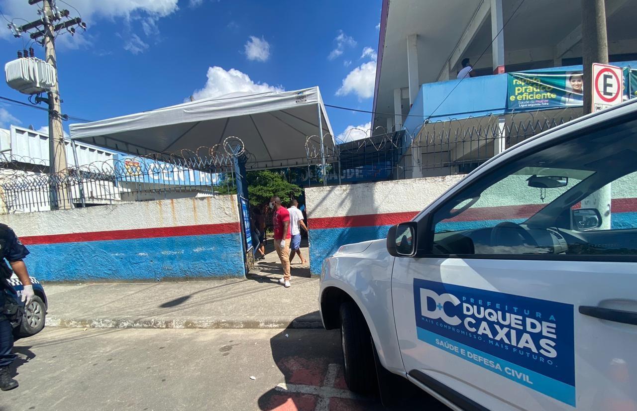 Faltou vacina em algumas unidades de Saúde em Caxias num dia de comércio e templos evangélicos abertos