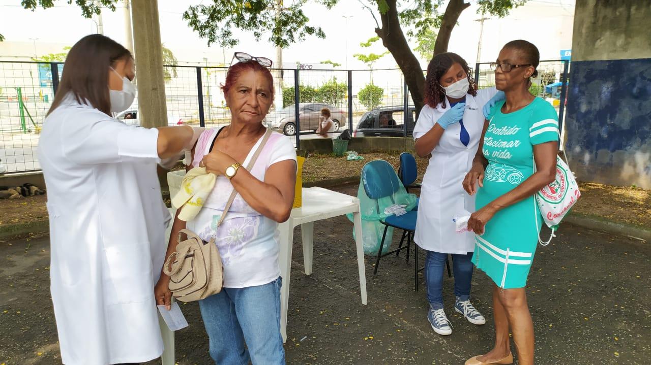 Prevenção à gripe: segundo dia de vacinação contra a influenza em São João de Meriti tem imunização tranquila