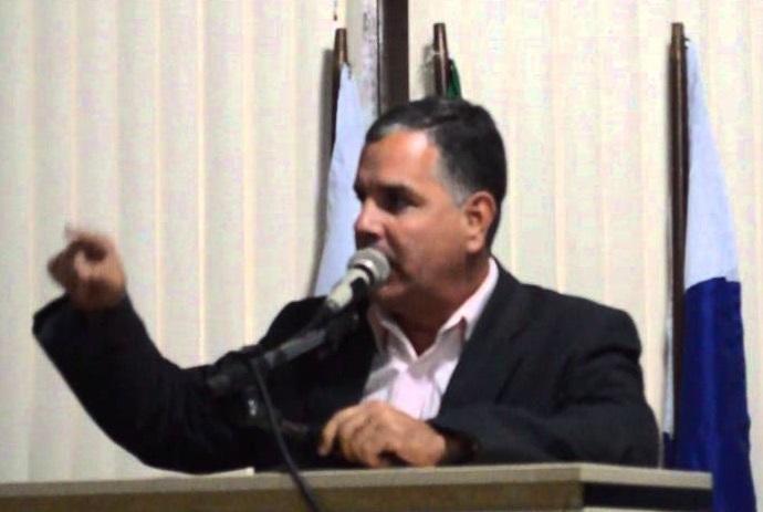 Justiça tenta, em vão, notificar presidente e diretor da Câmara de Japeri para pagarem indenização a ex-funcionária de posto de gasolina