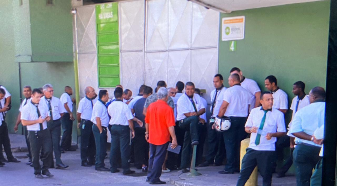 Empresas de ônibus da Baixada começam a dispensar funcionários