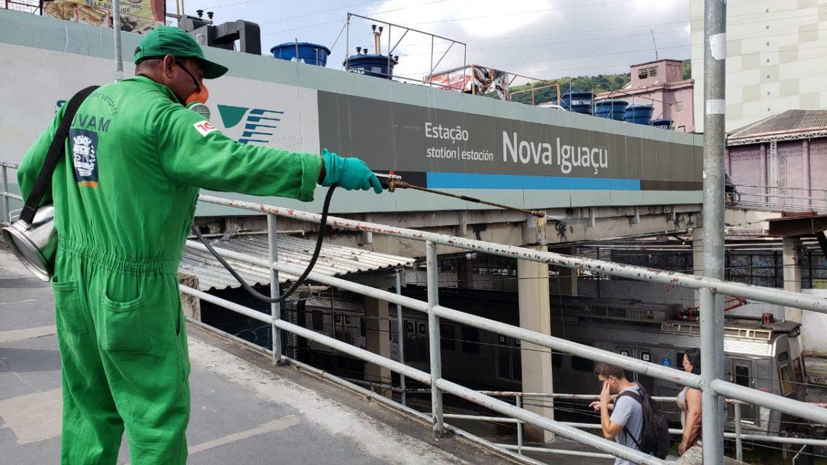 Prefeitura de Nova Iguaçu higieniza espaços públicos e reforça ação em unidades de saúde na luta contra o coronavírus