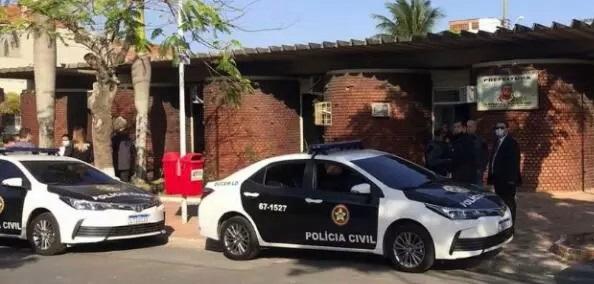 MP faz operação de busca e apreensão na Prefeitura e na casa do prefeito de Arraial do Cabo: suspeita é de fraude em licitação