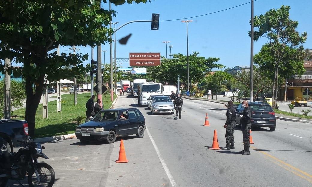 Aumento de casos de covid-19 em Rio das Ostras leva MP a recomendar regras mais rígidas de isolamento social em Rio das Ostras e faz Macaé voltar com barreira