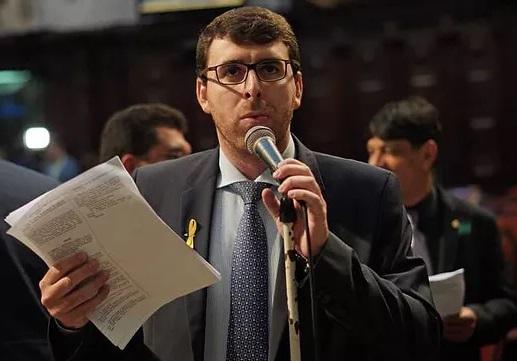 TRE retarda saída de Cozzolino do mandato de deputado e amanhã TSE julga recurso que decidirá por candidatura ou não