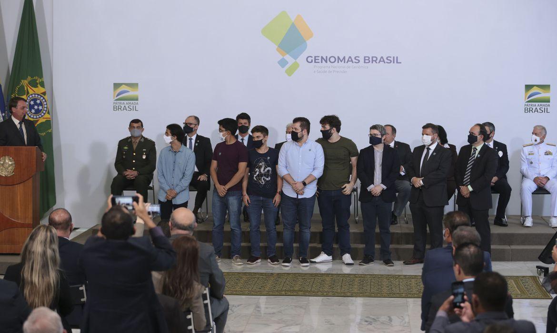 Governo lança programa para mapear genoma de 100 mil brasileiros: banco de dados vai estruturar medicina de precisão no país