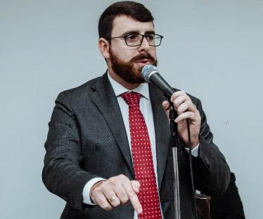 Prefeito de Magé assumiu cobrando transparência da Câmara, mas não estaria fazendo a sua parte… Onde estão os boletins oficiais?