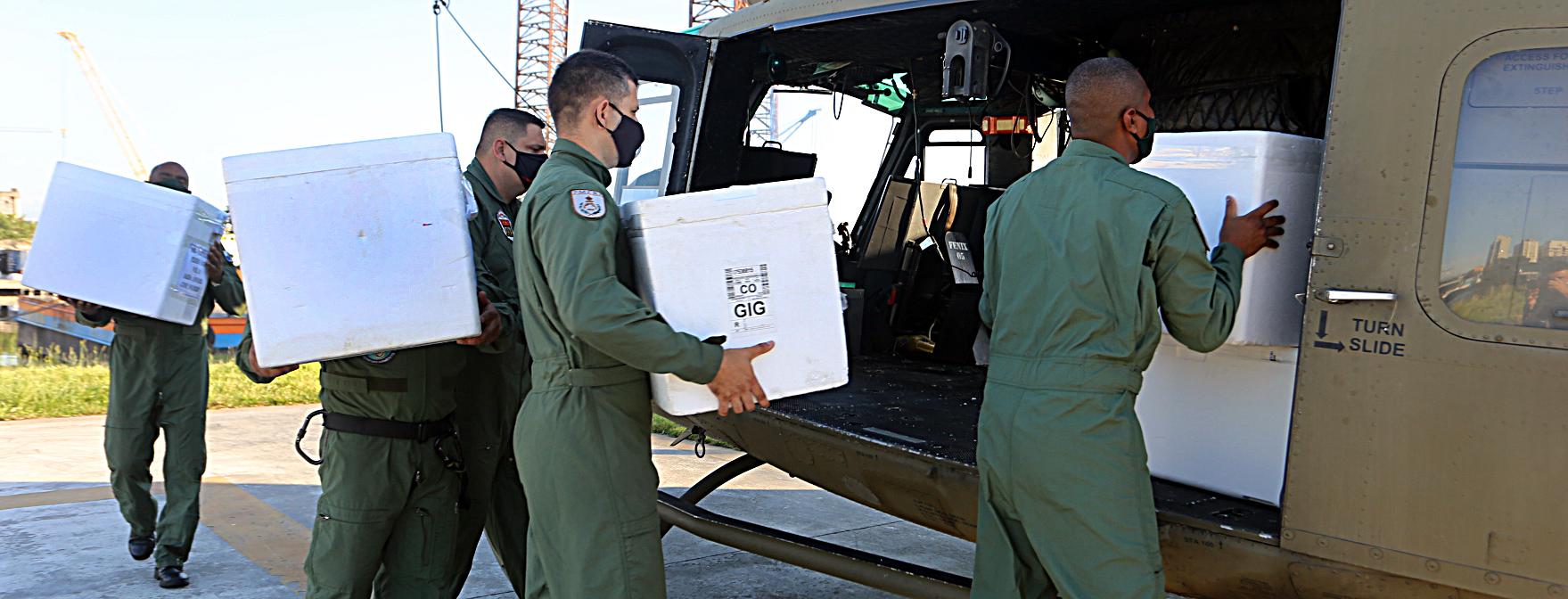 Governo do Rio realiza distribuição de vacinas contra a covid-19