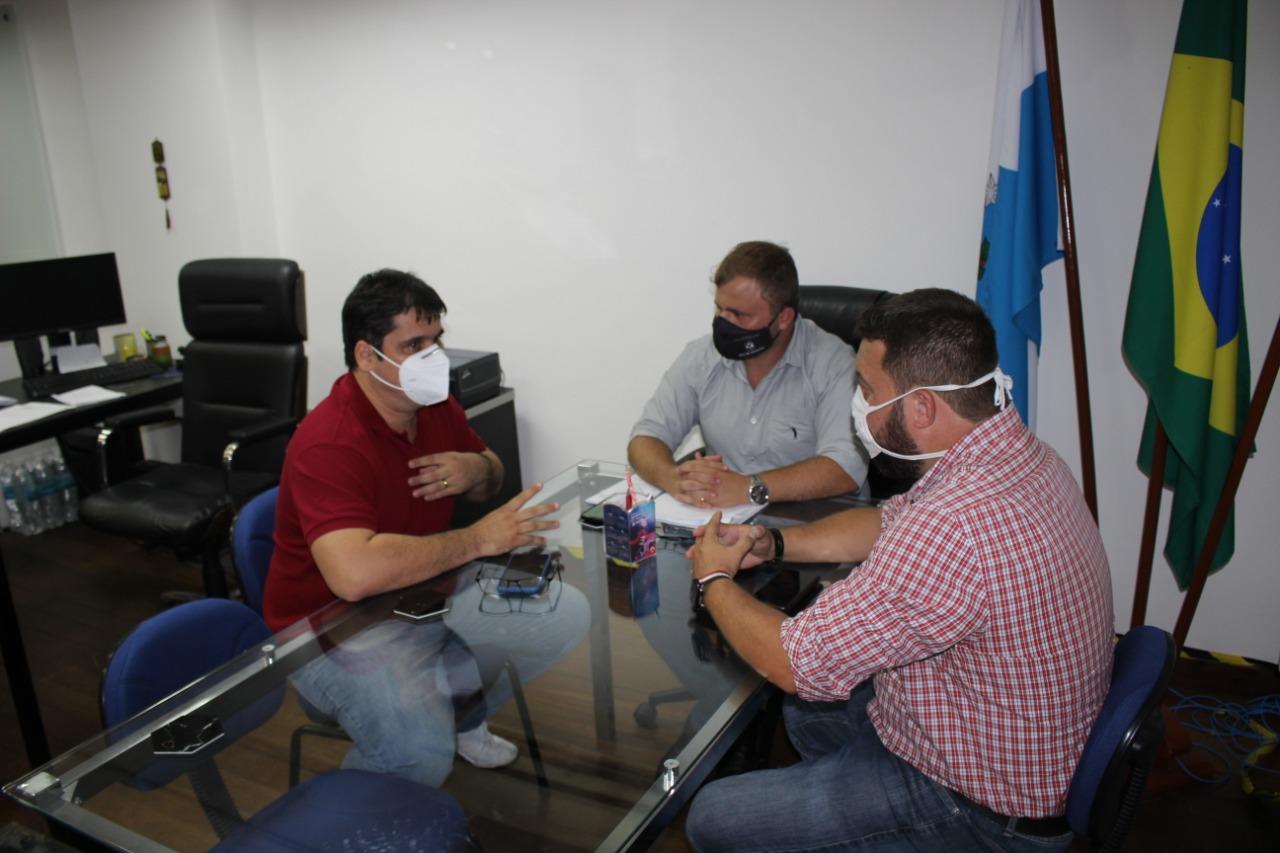 Nova gestão de Serópedica começa com parceria para gerar empregos
