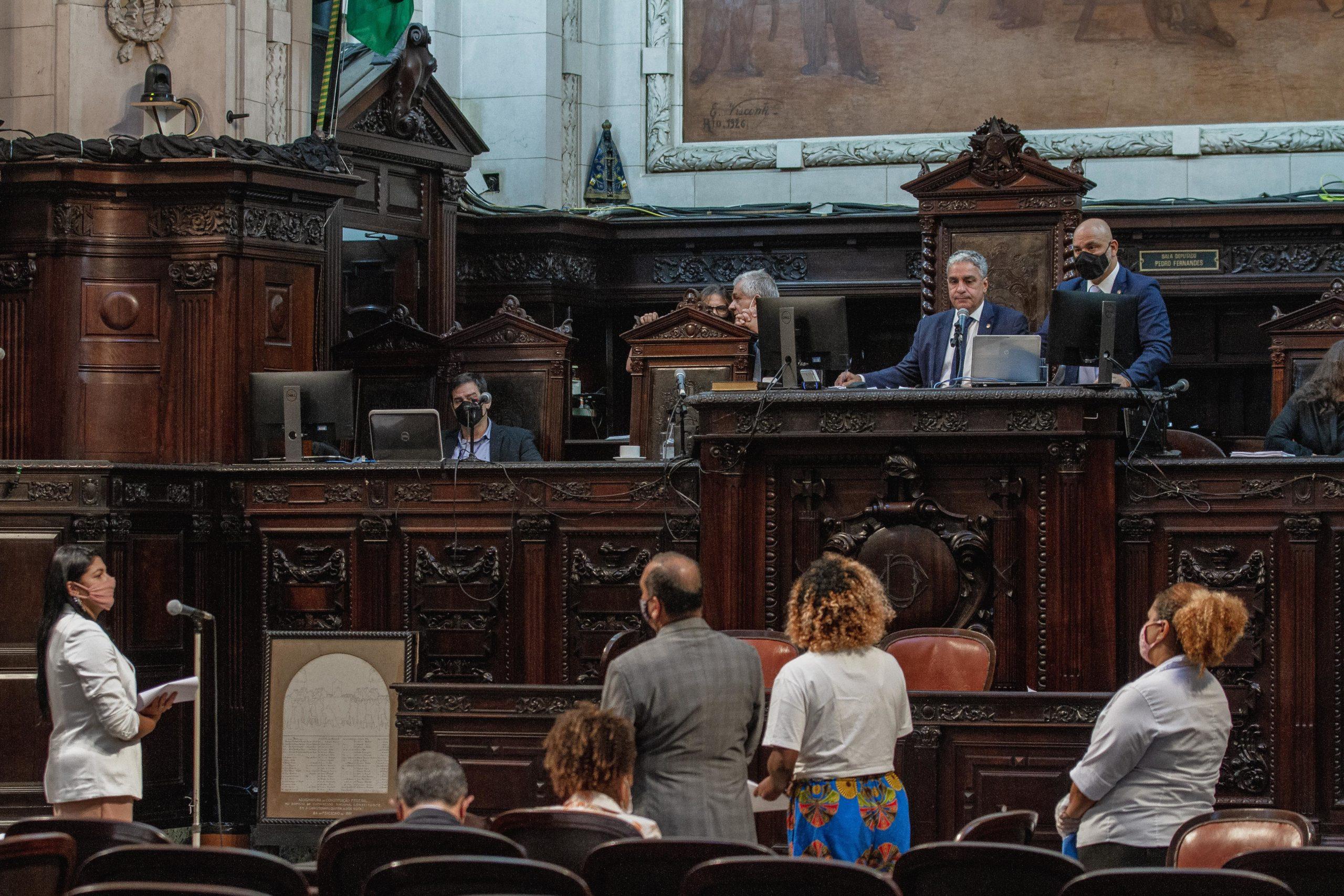 Alerj aprova programa de auxílio emergencial estadual