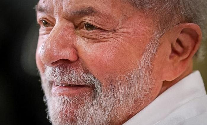 Pleno do STF mantém anulação das condenações do ex-presidente Lula, que está livre para disputar as eleições de 2022
