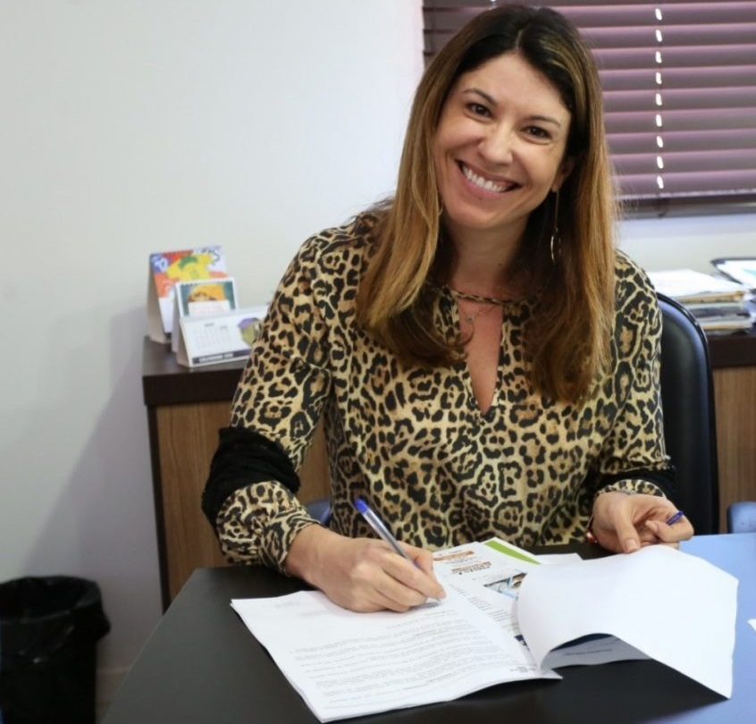 Prefeita de Saquarema tem salário aumentado e poderá ser obrigada a devolver dinheiro aos cofres da municipalidade