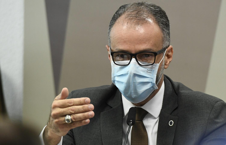 Em tom crítico presidente da Avisa coloca as declarações de Bolsonaro sobre vacinas na conta de uma guerra política