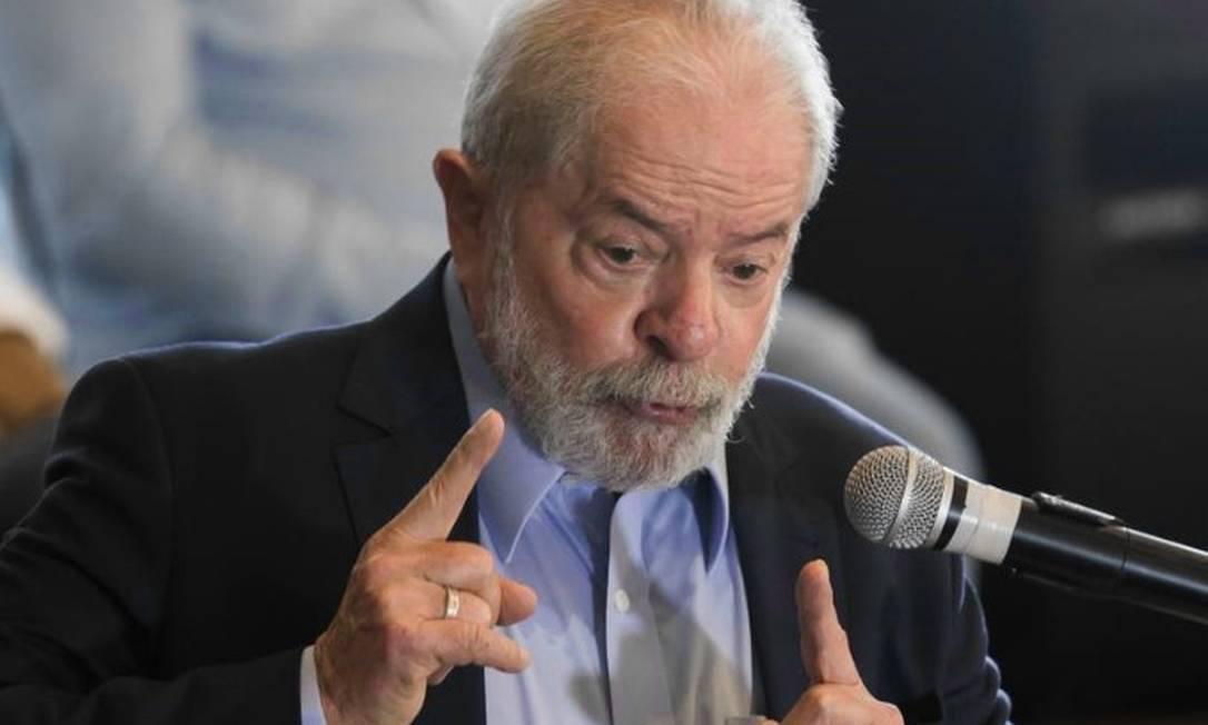 Datafolha mostra Lula liderando a corrida eleitoral de 2022: O petista aparece com 55% contra 32% de Bolsonaro no 2º turno e 18 de diferença no primeiro