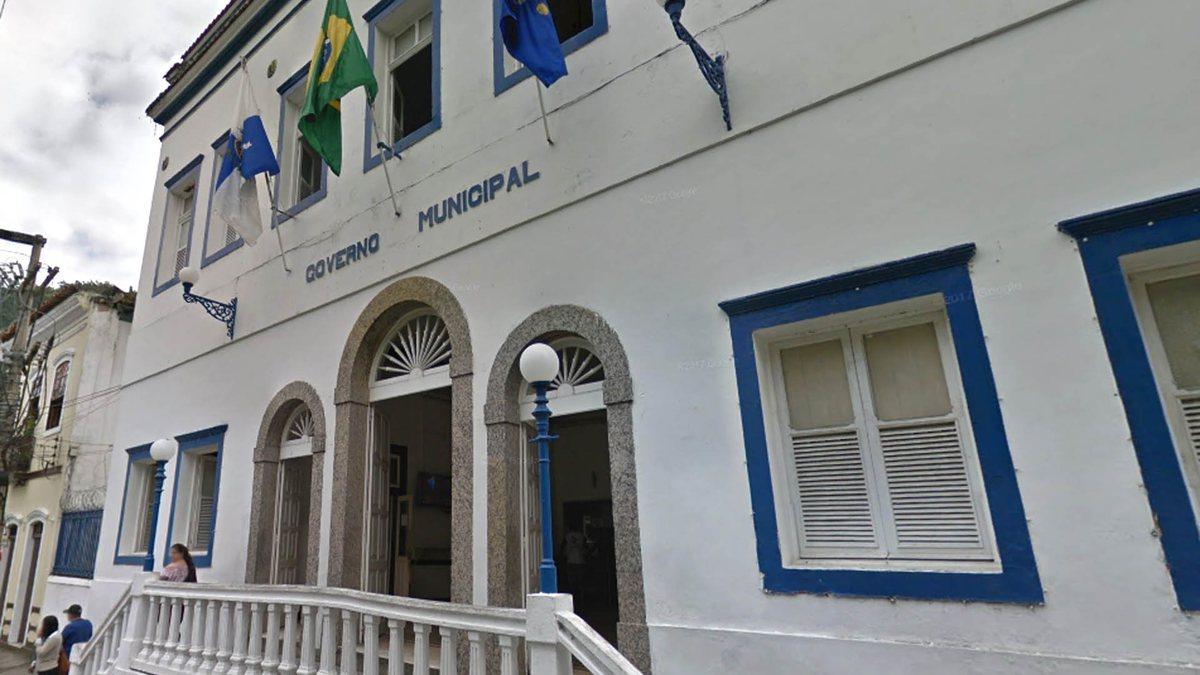 Justiça manda Prefeitura de Angra abrir conta bancária própria para a Educação