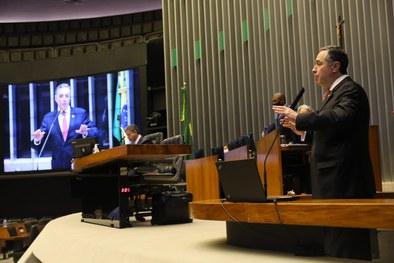 Barroso destaca riscos do voto impresso para o processo eleitoral