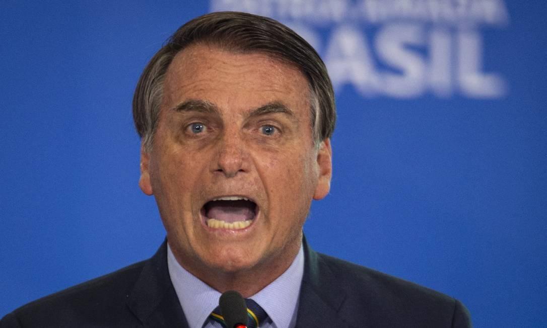 Em queda livre, Bolsonaro faz novas ameaças contra eleições, endurecendo ainda mais o discurso